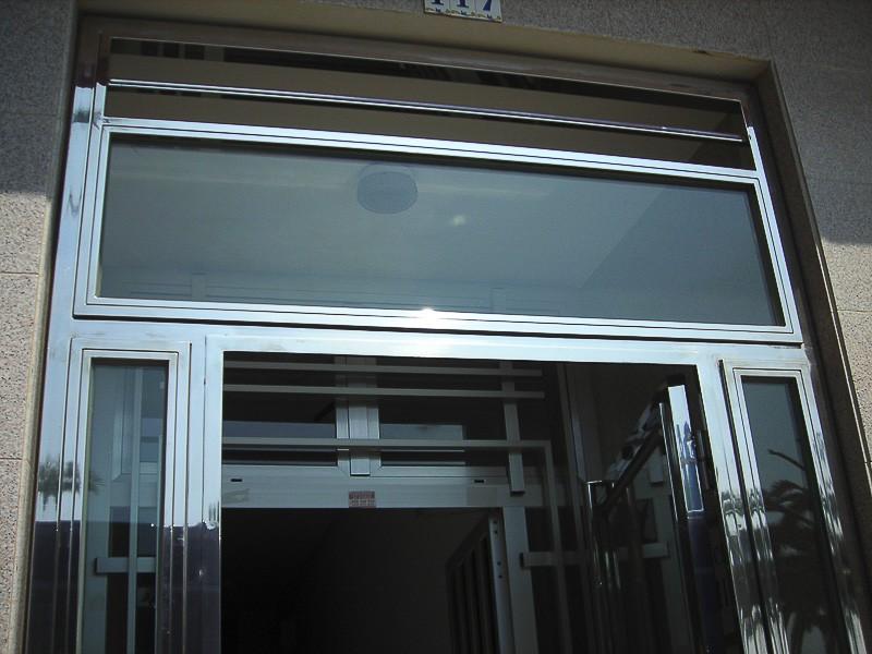 fabricacion puertas portales a medida madrid