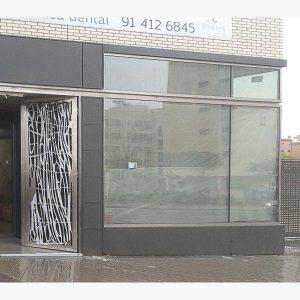 fabricacion puertas de diseño en acero madrid