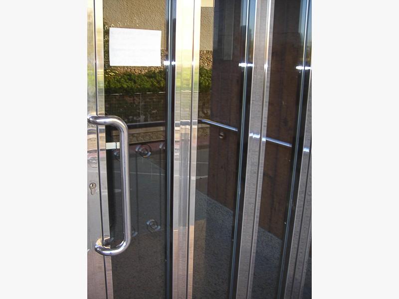 puerta acero comunidades propietarios madrid