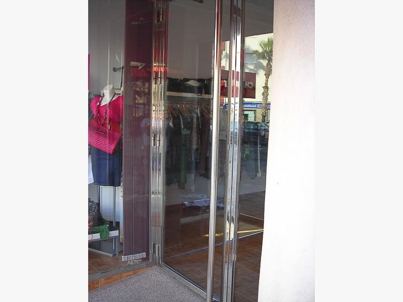 puertas acero locales madrid