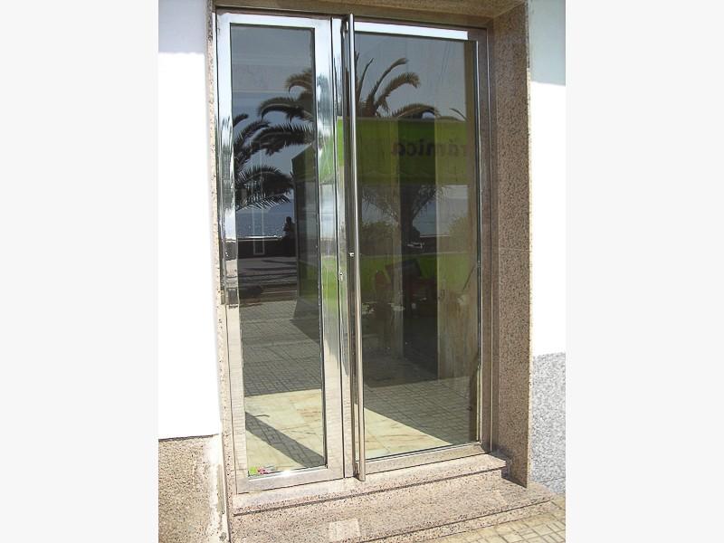 puertas acero inoxidable portales madrid