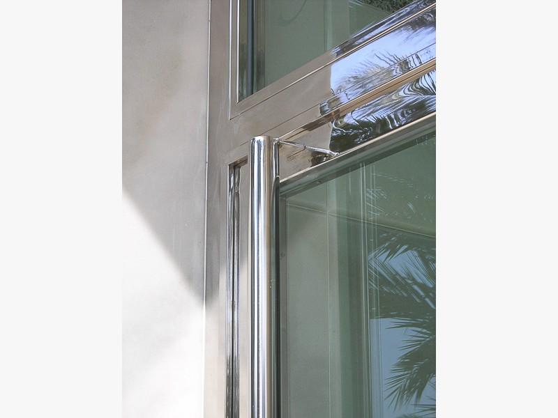 puertas acero inoxidable brillante madrid
