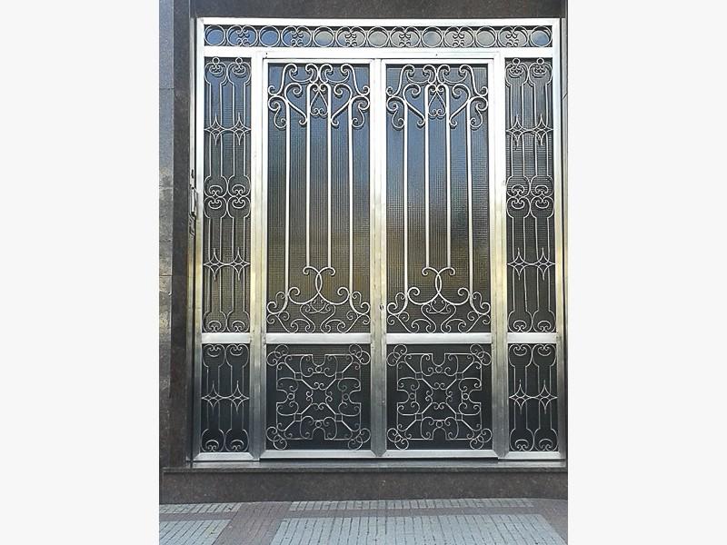 puertas forja comunidades madrid