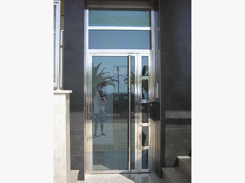 puertas acero seccionales madrid
