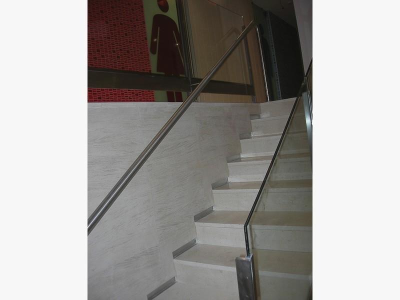 barandillas acero escaleras centros comerciales madrid