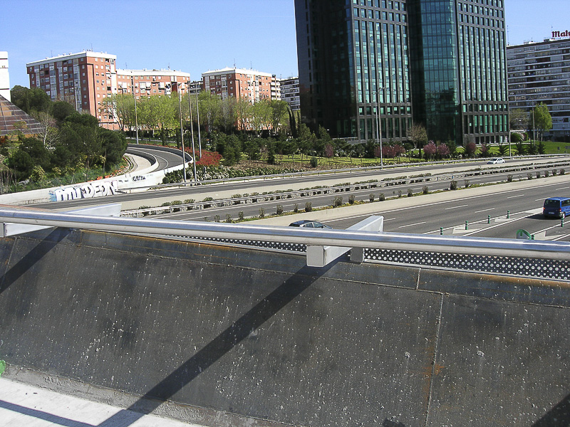 pasamanos acero puentes madrid