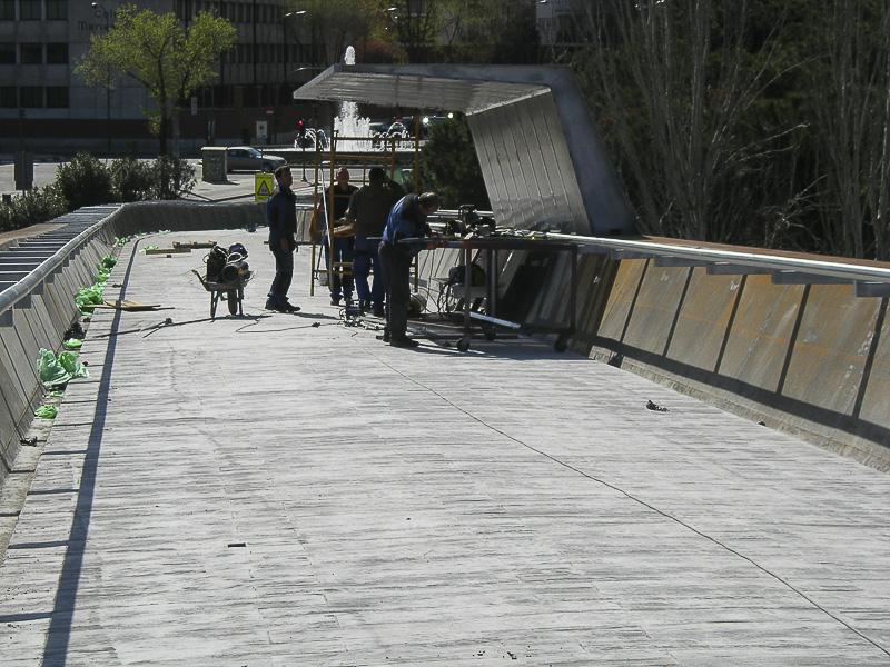 barandilla puente urbano madrid